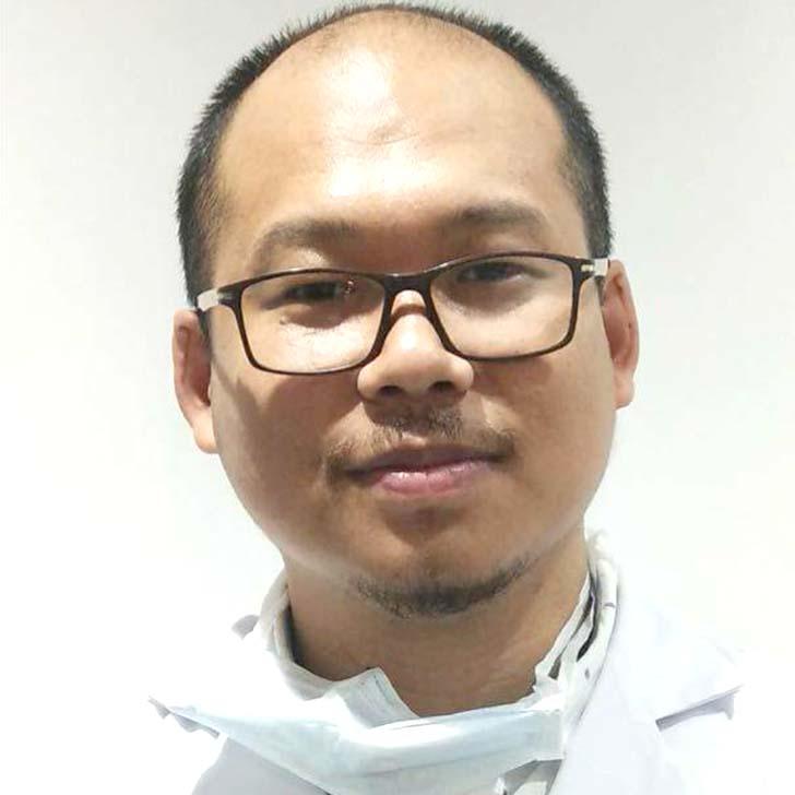 Dr Neelesh