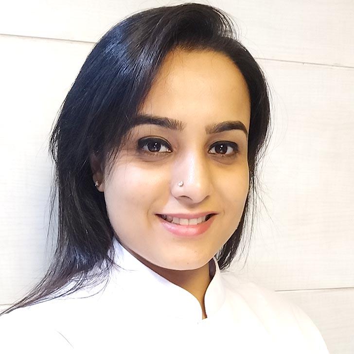 Dr Neha